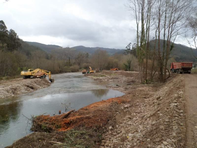 Ejecución de los trabajos en el río Esva