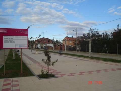 Construcciones Lucas Garcia - Pavimentación, abastecimiento y saneamiento en Morales de Rey (Zamora) - Construcciones Lucas García, S.L.