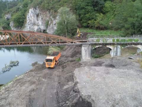 Construcciones Lucas Garcia - Acondicionamiento y limpieza de río del Nalón a su paso por Palomar y Bueño. (Asturias) - Construcciones Lucas García, S.L.